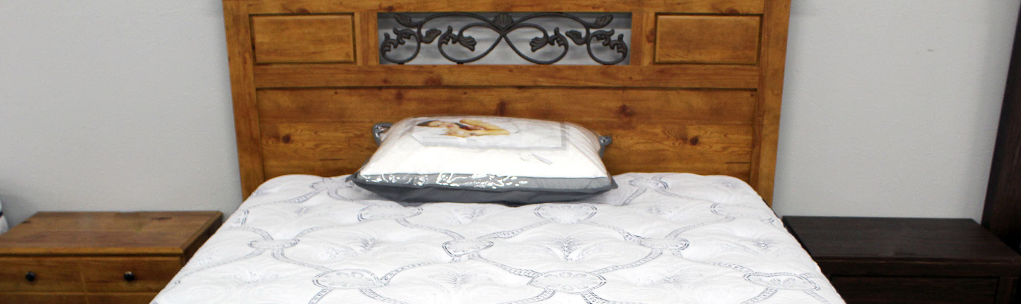 High-end symbol mattress with bedroom set
